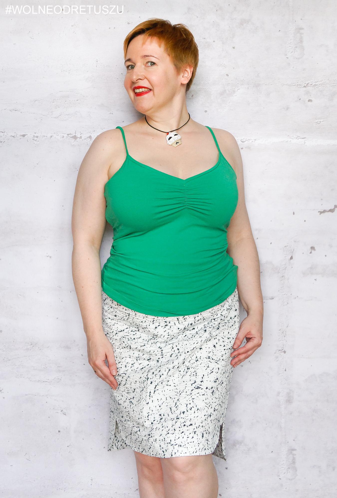 Stanik: Koko plunge strapless rozmiar 38FF, Ubranie: top Mexx rozmiar XL, spódnica COS rozmiar 44