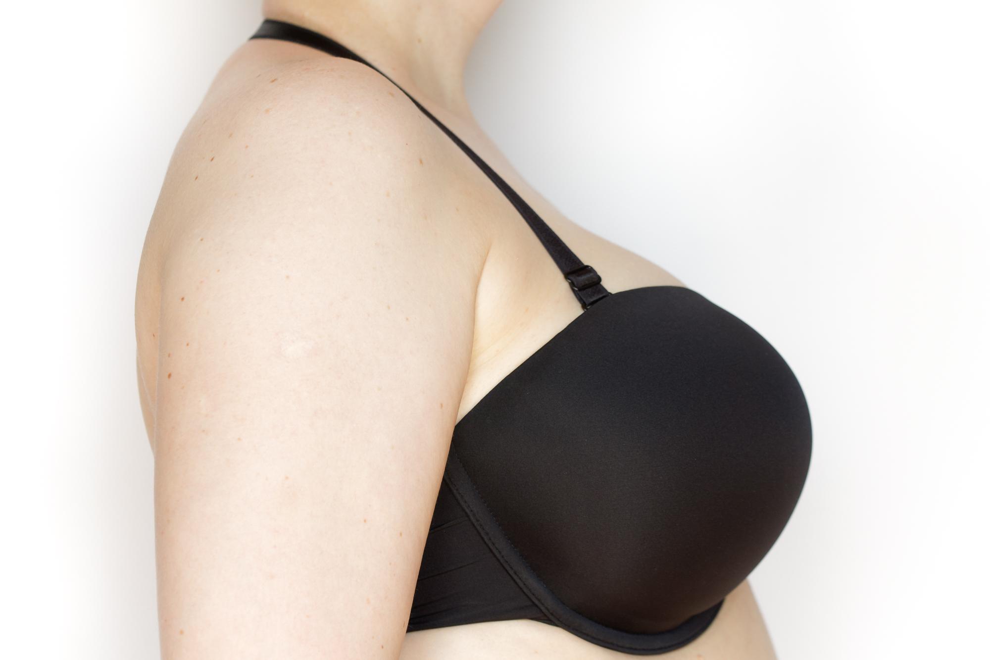 Biustonosz Porcelain Elan moulded strapless z ramiączkiem przełożonym przez szyję - prawy profil